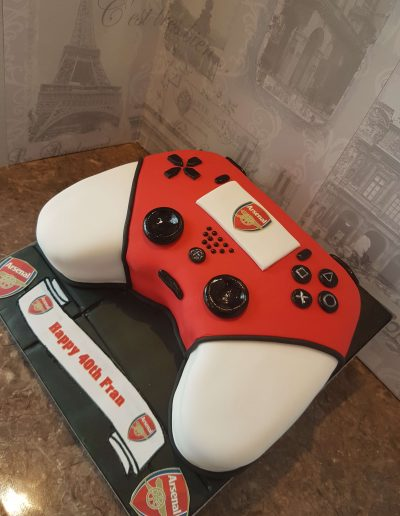 Arsenal & Controler Birthday Cake