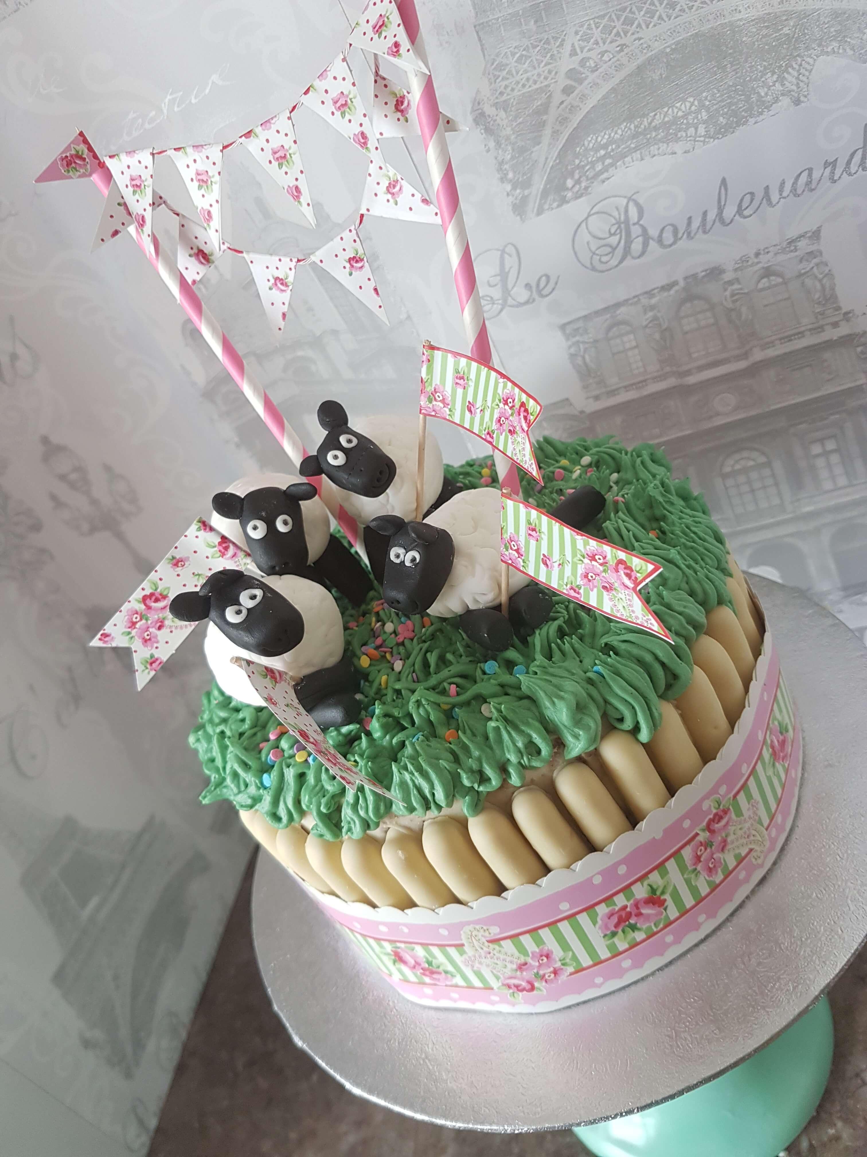 A Baa-eautiful Sheepy Cake