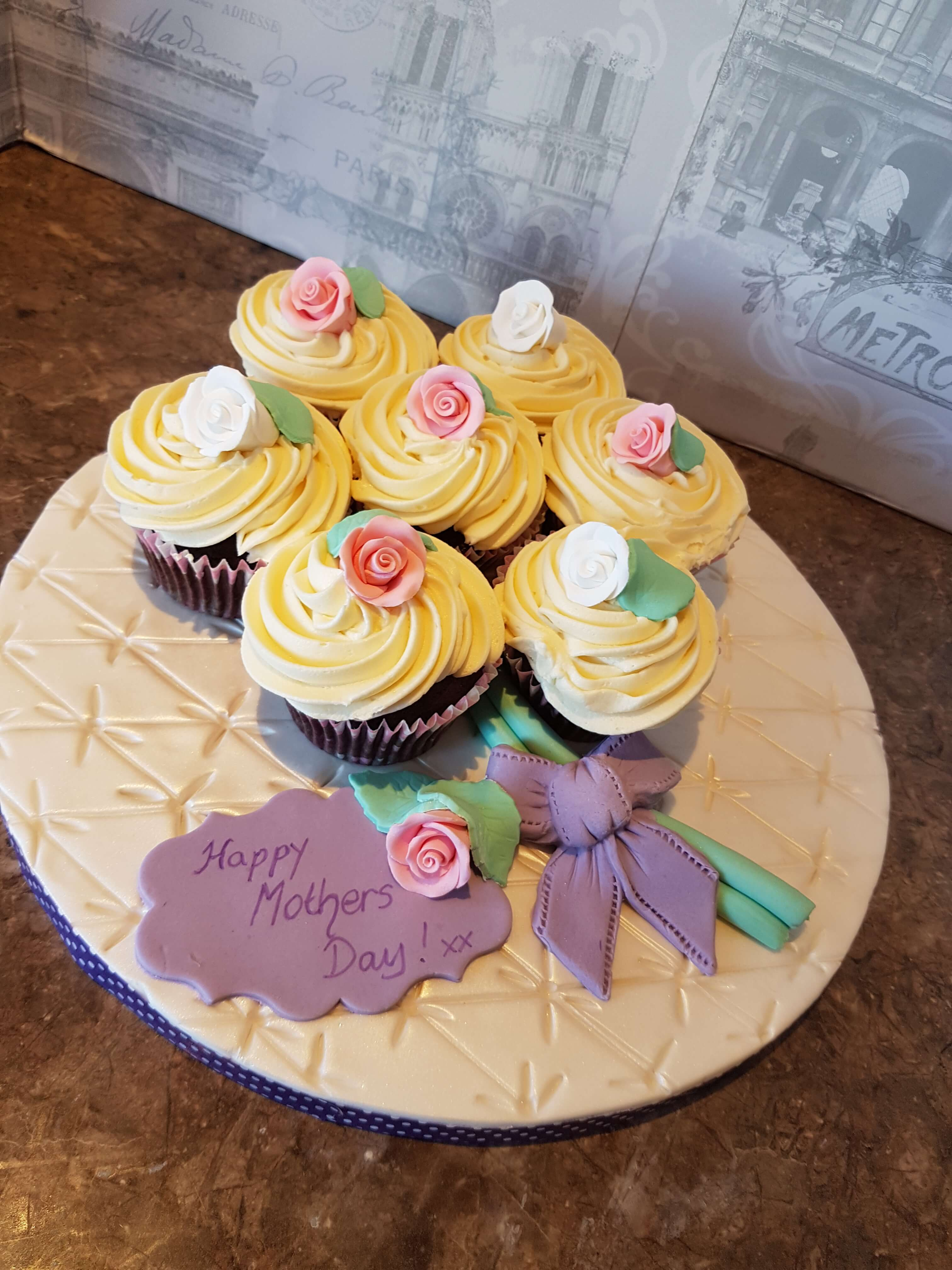 Lush Happy Mother's Day Cupcakes